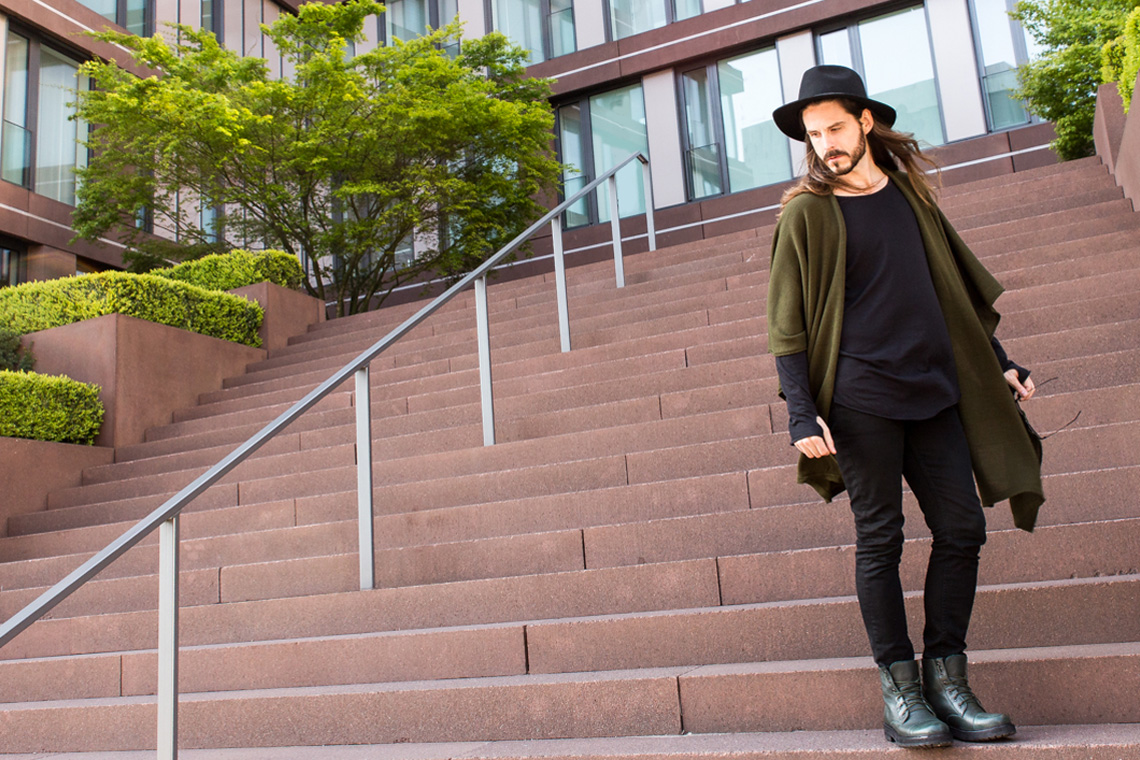 Kaisers-neue-Kleider_Boho-Style-Poncho_Streetstylelook_Boots_Hut_Modeblog04