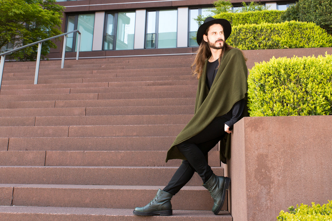 Kaisers-neue-Kleider_Boho-Style_Poncho_Streetstylelook_Boots_Hut_Modeblog
