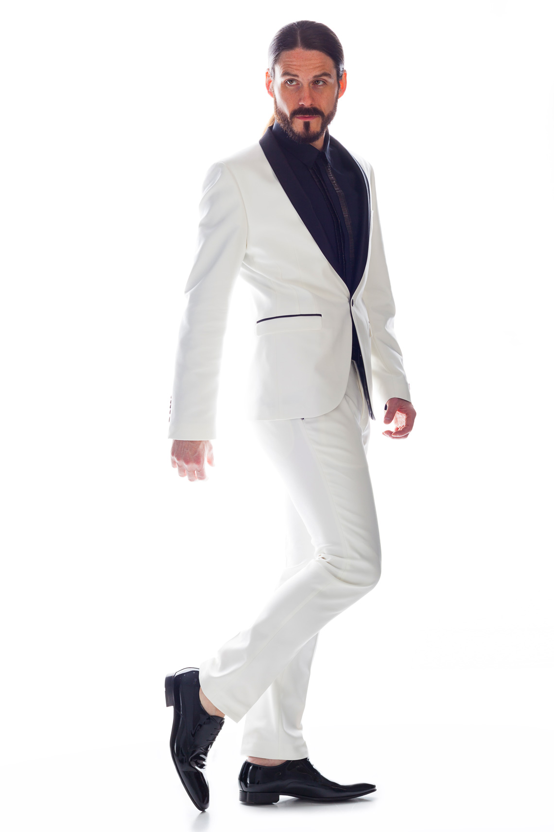 Kaisers-neue-Kleider-Fashionblog-Outfit-Weisser-Anzug-Hemd-The-Kooples