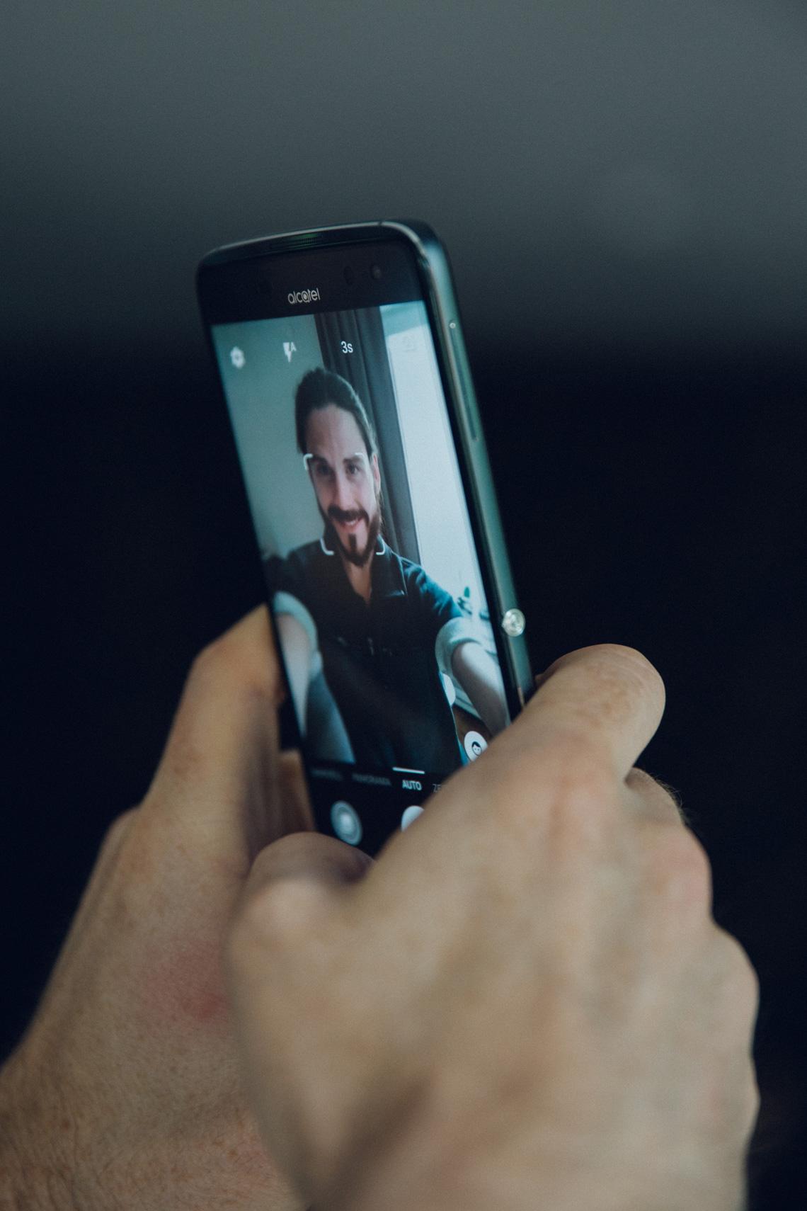 Kaisers-neue-Kleider-Fashion-Blog-Maenner-Lifestyle-Smartphone-Alcatel-Idol-Virtual-Reality-Kooperation
