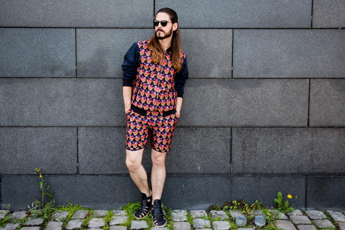 Kaisers-neue-Kleider-Männermode-Blog-Fashion-Scotch&Soda-Flamingo-Shorts-College-Jacke-Sandalen-Summer