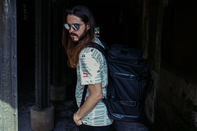 kaisers-neue-kleider-maennermode-fashionblog-puma-sportswear-denim-kerbholz-sonnenbrille