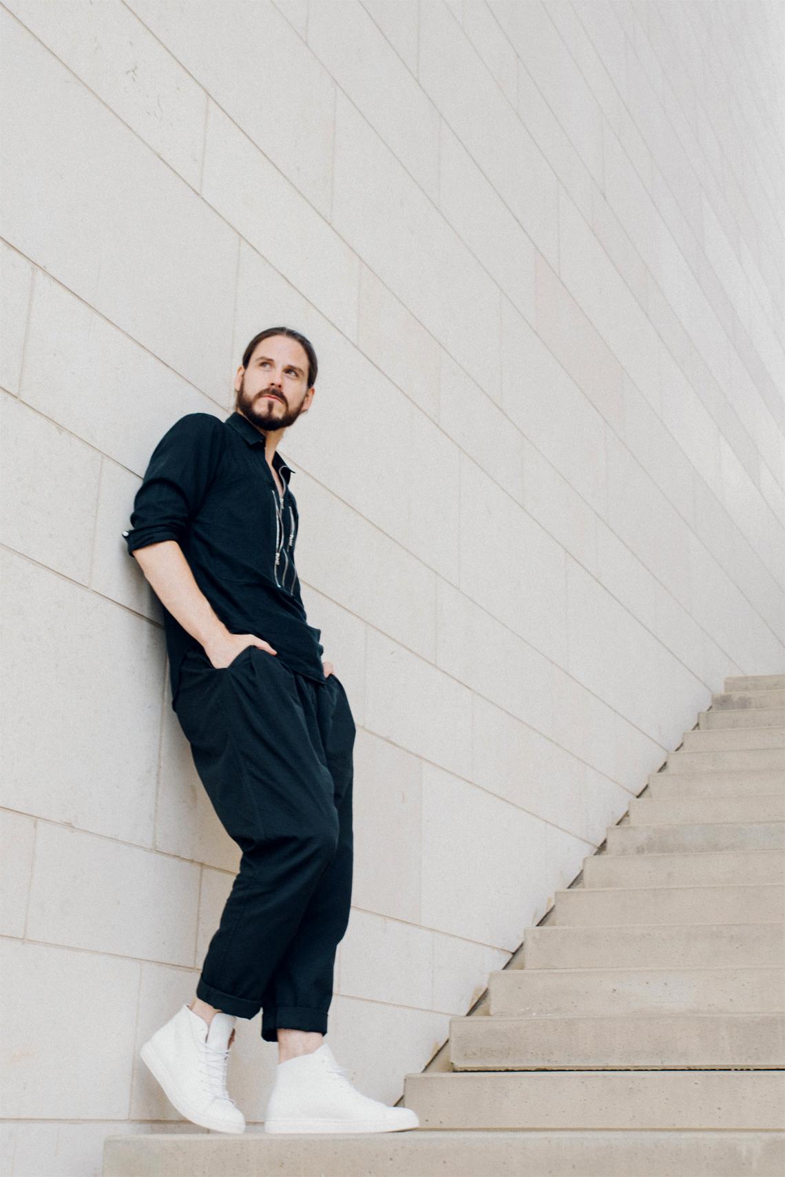 outfit leichter sommerlook mit schwarzer stoffhose kaisers neue kleider. Black Bedroom Furniture Sets. Home Design Ideas