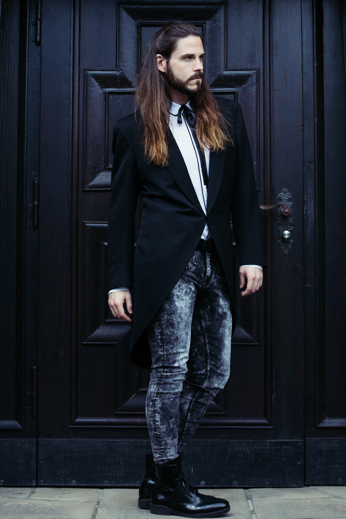 outfit luxus frack mit jeans kombiniert kaisers neue kleider. Black Bedroom Furniture Sets. Home Design Ideas