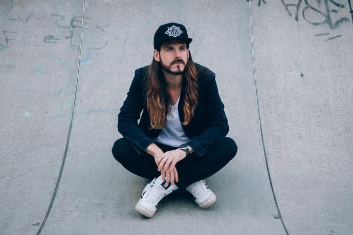 kaisers-neue-kleider-maennermodeblog-90ies-jeans-look-homeboy-adidas-denim-skater