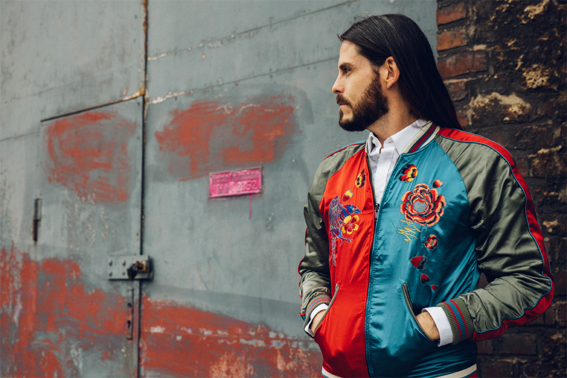 Malefashion-Blog-Kaisers-neue-Kleider-Männermode-Styling-Outfit-Jacke-Stickerei-elegant-chic-kombiniert