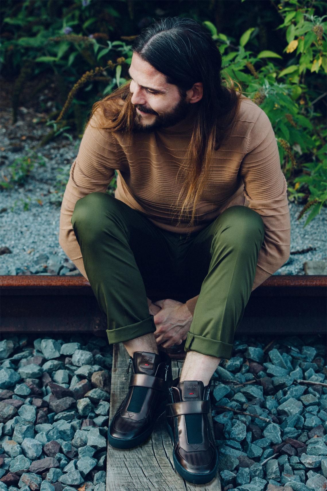 maennermode-blog-malefashion-kaisers-neue-kleider-herbst-outfit-hugo-sneaker-rollkragenpullover