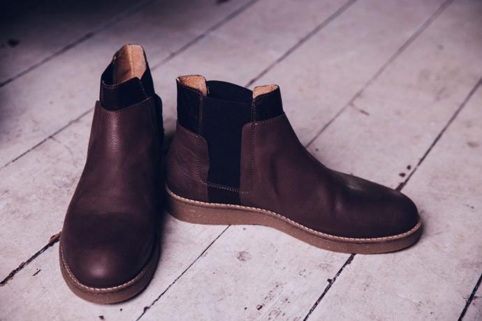 malefashionblog-kaisers-neue-kleider-etal-grau-kombination-hemd-hose-jacke-chelsea-boots