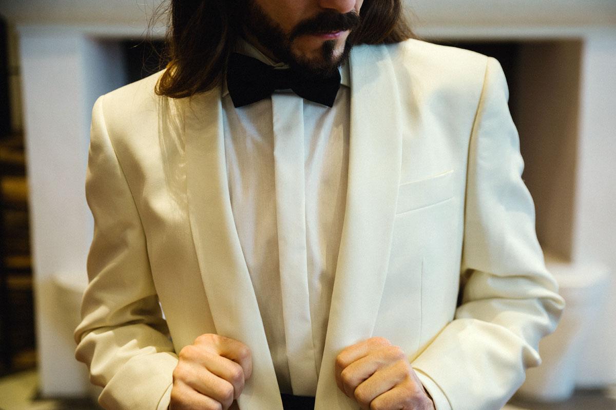 elegantes-silvesteroutfit-smoking-anzug-fliege-dobell-maennermodeblog-kaisers-neue-kleider