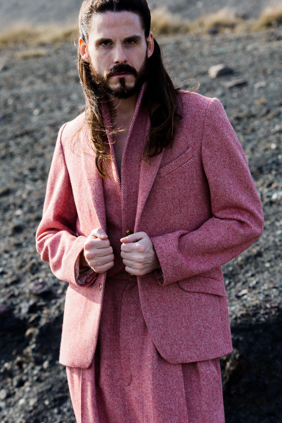 Editorial-Jiri-Kalfar-Maennermode-Kollektion-Designer-Overall-Anzug-Oversize