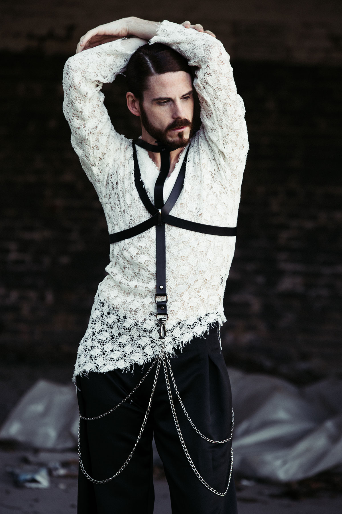 Maennermodeblog-Fetisch-Fashion-Spitze-Mode-Harness-Gay-Editorial