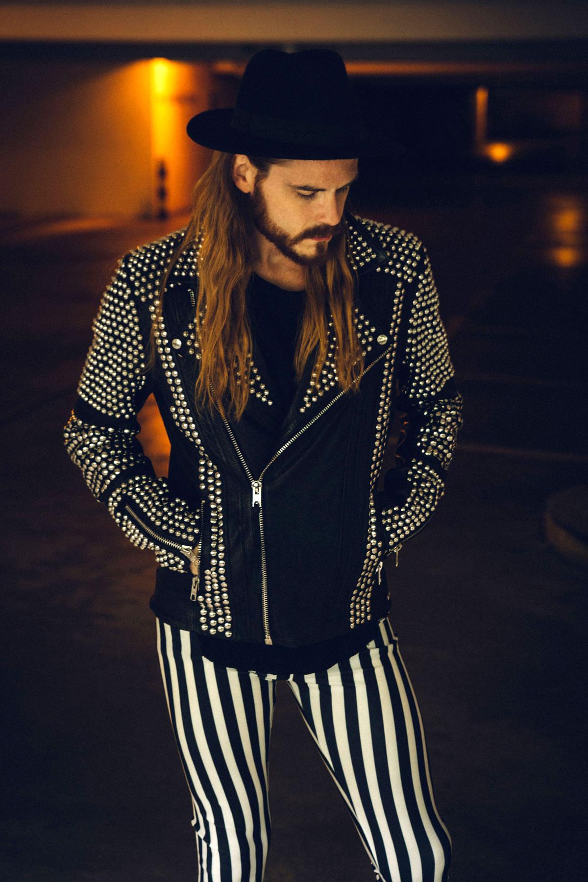 Maennermodeblog-Meggins-Lederjacke-Nieten-tigha-Rockstar-Hut-Fashion