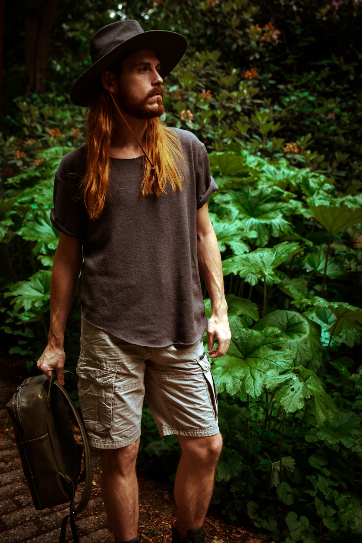 Outfit-Tropen-Cargo-Shorts-Matt-Nat-Rucksack-Palladium-Outdoor-Fashion