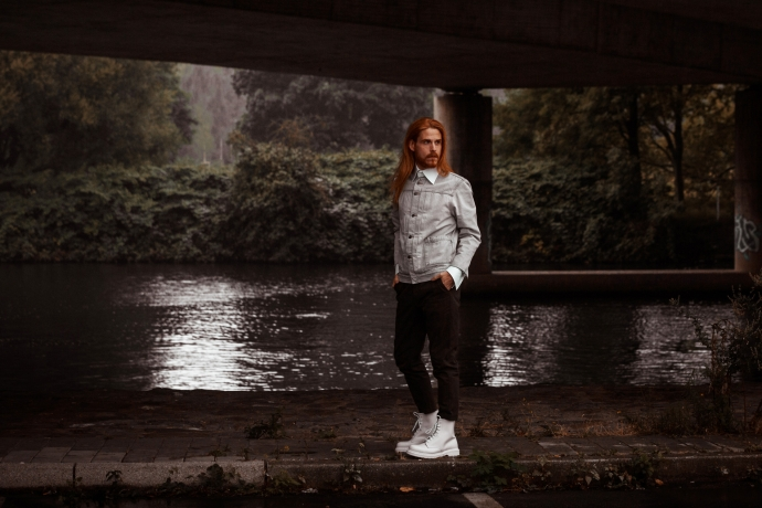 Jeansjacke-Levis-Dr-Martens-Lagerfeld-Hemd-Streetstyle-Influencer-Preview