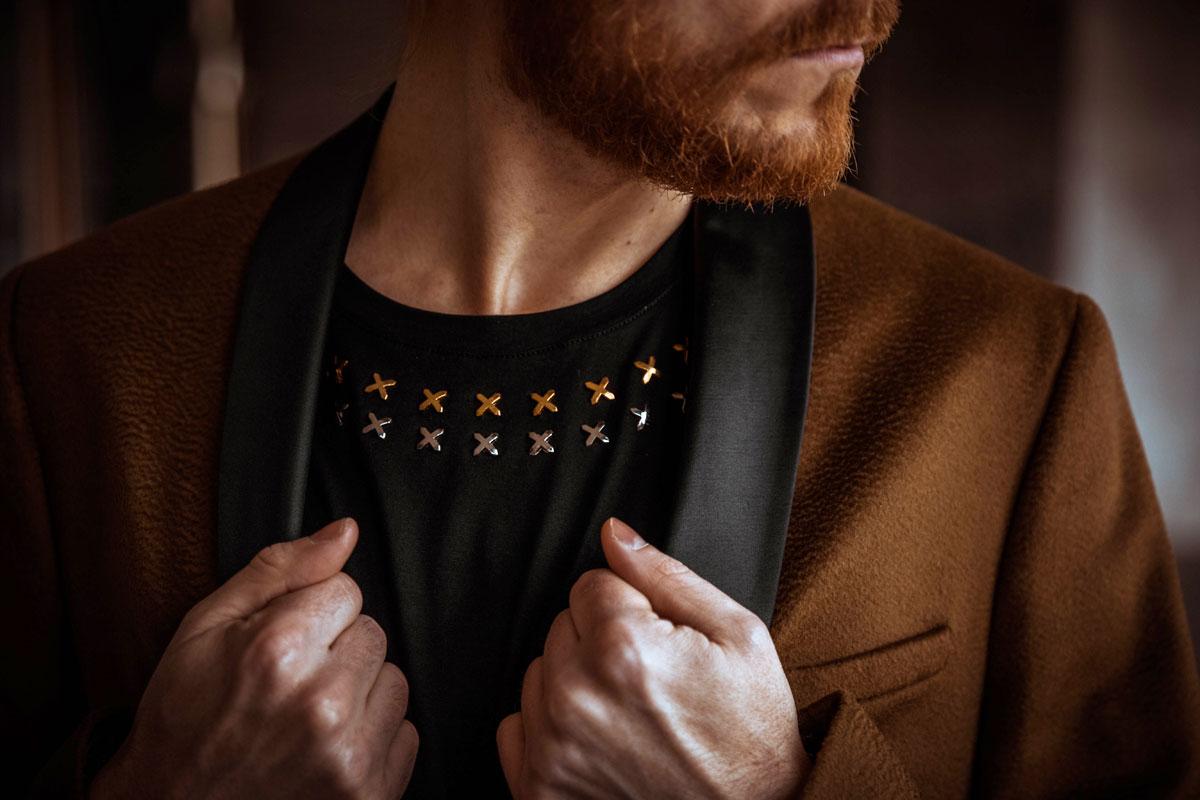 Weihnachtsoutfit-Versace-Cavalli-Gold-Maennermode-Influencer-Modeblogger