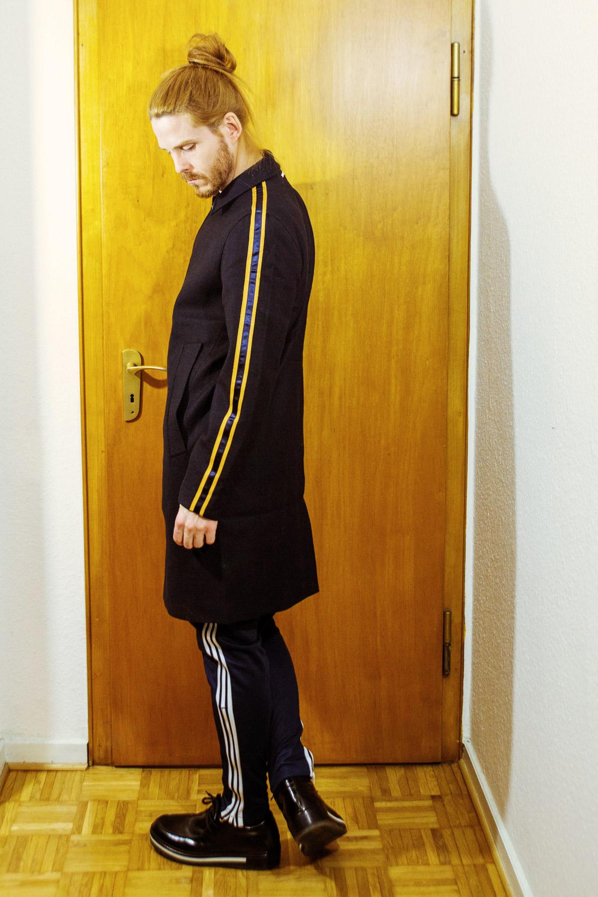 Berlin-Chic-Adidas-Originals-Trainingshose-Porsche-Design-Influencer-Malemodel-Style-Streetlook