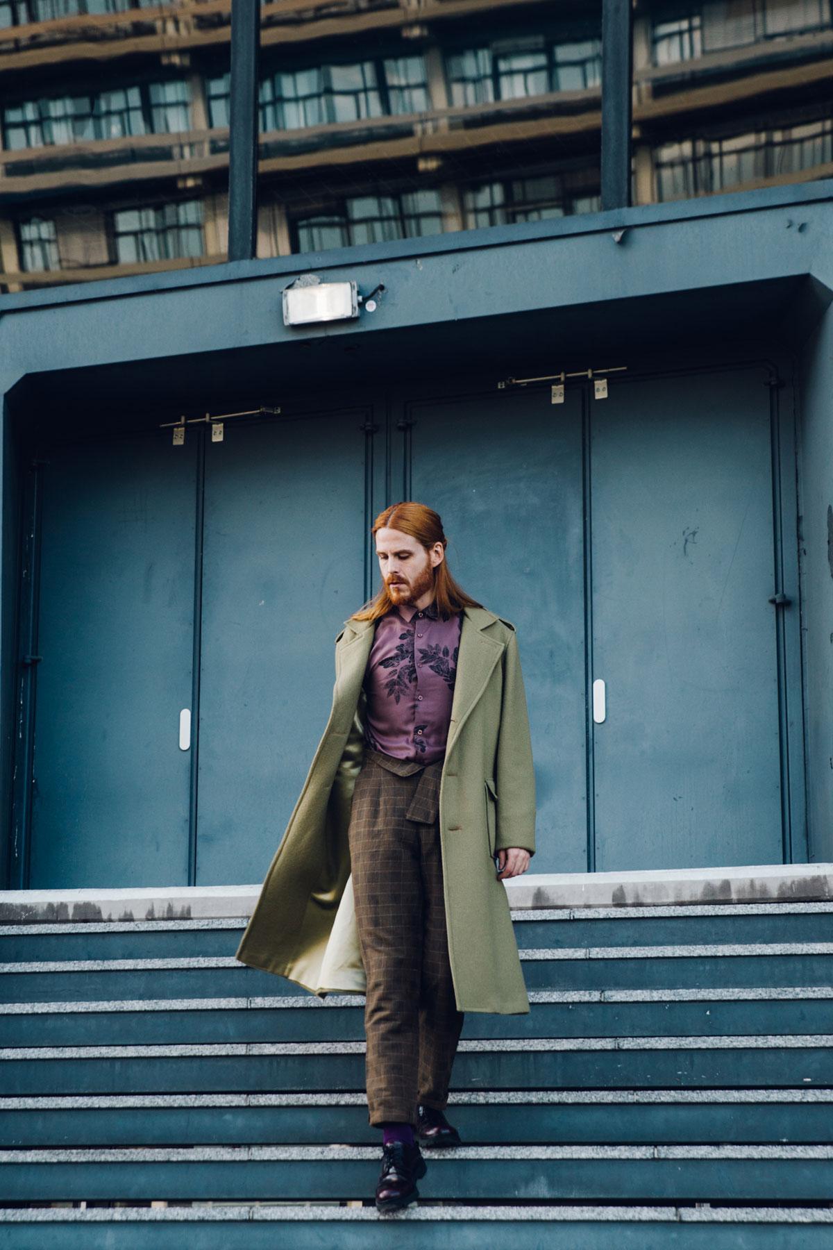 Stella-Lavinia-Berlin-Maennermode-Vintage-Mantel-Uniform