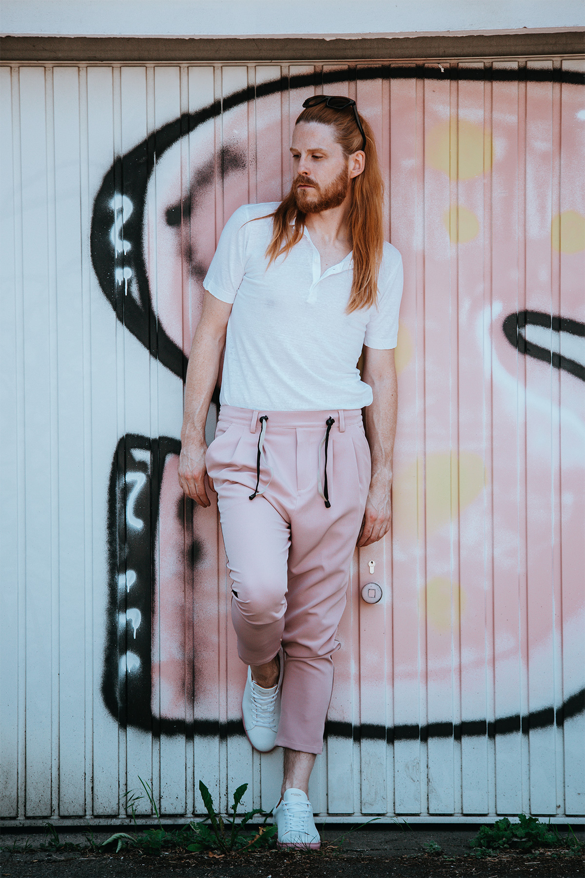 Sommerlook-Poloshirt-Snheaker-Maennermode-Fashion-Style-Influencer