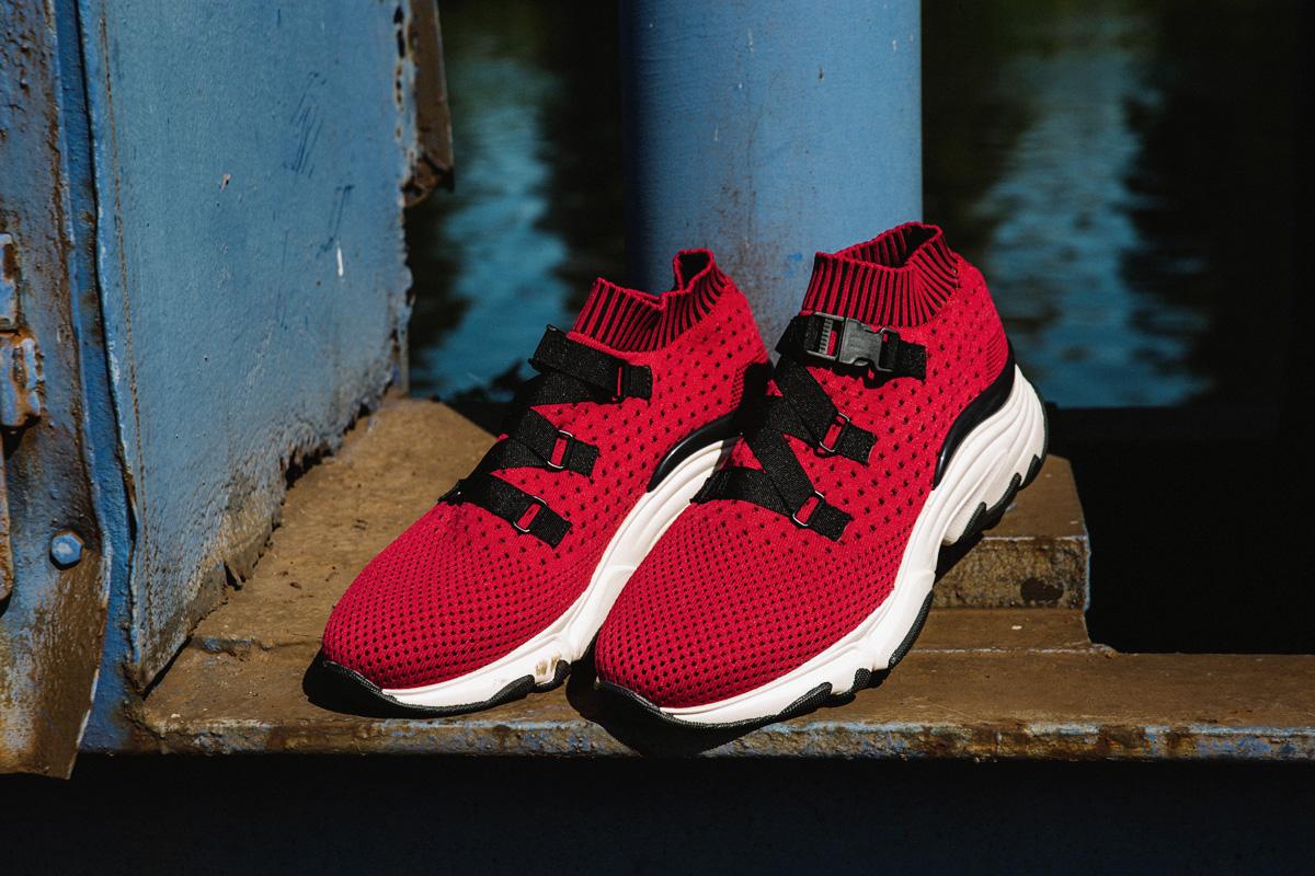 Malefashion-Casual-Sporty-Sneaker-Cap-Alltagslook-Kaisers-neue-Kleider