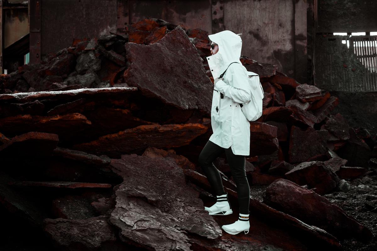 Haglöfs-Parka-Windbreaker-Diesel-Sneaker-Outdoor-Fashion